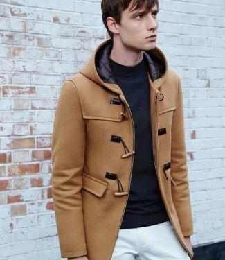 Дафлкот: С чем носить мужское пальто с капюшоном