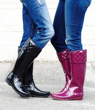 6 Ways To Wear Rain Boots: From Cute To Classy