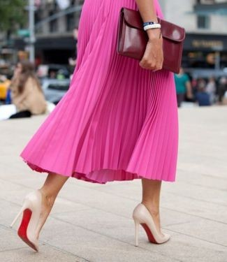 Como combinar una falda midi